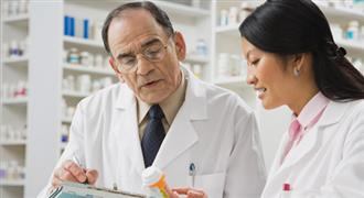What are the Duties & Responsibilities of a Hospital Pharmacist?